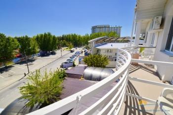 3-мест 1-комн Стандарт номер - балкон.jpg