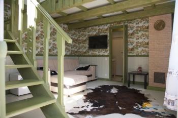 2-местный 2-комнатный номер Люкс Амстердам в коттедже гостиная.jpg