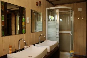 2-местный 1-комнатный Люкс Бавария санузел.jpg