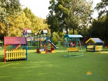 Детская площадка в санатории.jpg