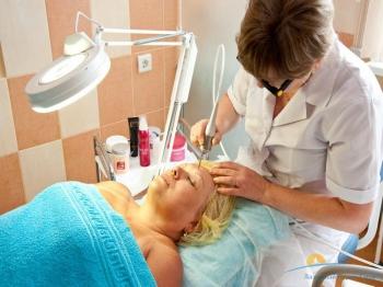 Косметологические процедуры. Лазеротерипия.jpg