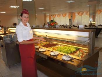 Витаминное меню Шведского стола. Свежие фрукты и овощи.jpg