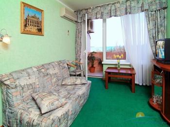 2-местный 2-комнатный номер повышенной комфортности в Корпусе №2. Гостиная.jpg
