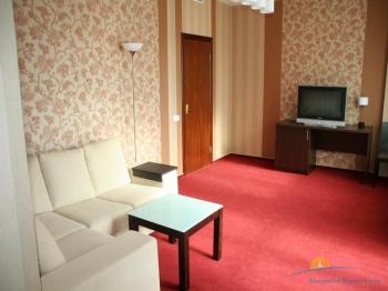 2-местный 2-комнатный Люкс в Корпусе №3. Зона отдыха.jpg