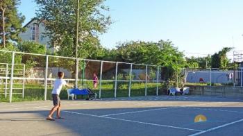 Теннисный корт.jpg