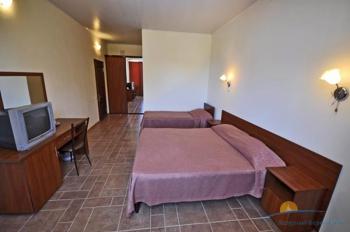 2-, 3-местный 1-комнатный номер с балконом.jpg