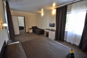3-местный 1-комнатный номер в большом коттедже интерьер.jpg