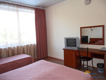 4-местный 1-комнатный номер без балкона интерьер.jpg