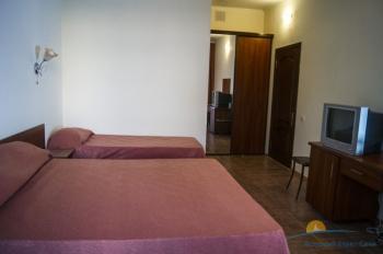 3-местный 1-комнатный номер с балконом.jpg