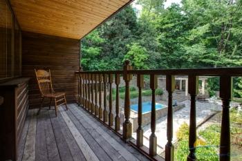 Коттедж, балкон.jpg