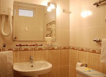 2-местный 1-комнатный Полулюкс санузел.jpg