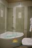 джакузи в ванной в номере