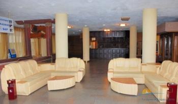 холл в отеле.JPG