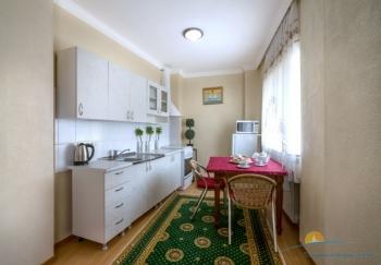 2-мест 2-комн апартаменты - зона кухни.jpg