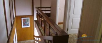 4-мест 2-уровн Сюит - лестница.jpg