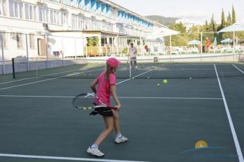 Теннисный корт .JPG