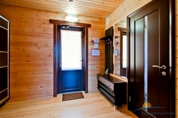 2-местный 1-комнатный номер Бунгало Люкс с видом на море прихожая.jpg