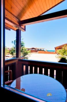 2-местный 1-комнатный номер Бунгало с видом на бассейн веранда.jpg