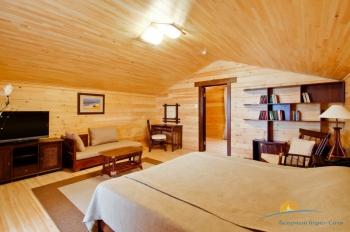 2-местный 2-этажный номер Бунгало двухэтажный спальня.jpg
