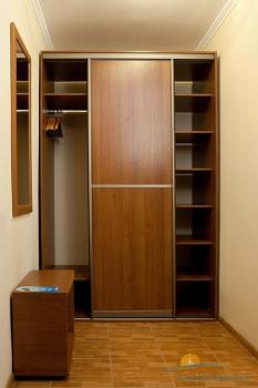 2-местный 1-комнатный номер Стандарт с доп. местом прихожая.jpg