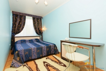 2-местный 2-комнатный номер УК без лоджии спальня.jpg