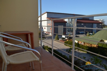 3-местный 1-комнатный номер Стандарт балкон.JPG