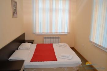 5-местный 3-комнатный   Люкс с кухней спальня.JPG