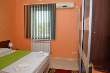 5-местный 3-комнатный номер Люкс с кухней спальня.JPG