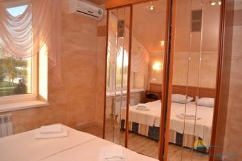 6-местный 3-комнатный номер Люкс с кухней спальня.JPG