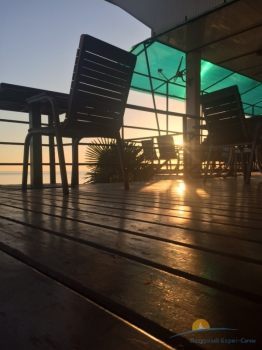 Кафе на пляже .jpg