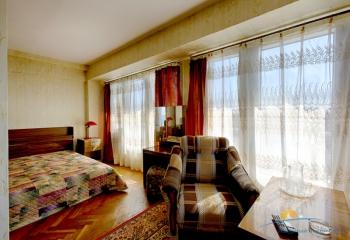 2-местн 2-комнатный люкс спальня.jpg