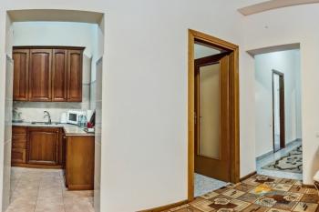 2-мест 3-комн Апартамент  - коридор.jpg