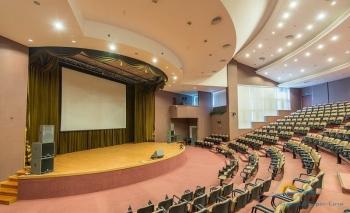 киноконцертный зал в культ-дел центре.jpg