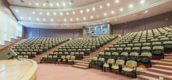 киноконцертный зал в культ-дел центре..jpg