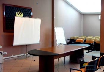 пресс-центр в куль-дел центре.jpg