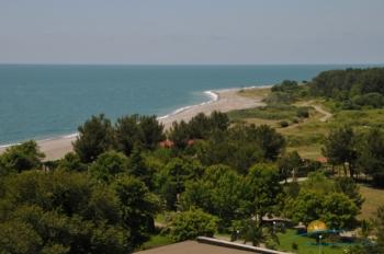 пляж вид издалека.jpg