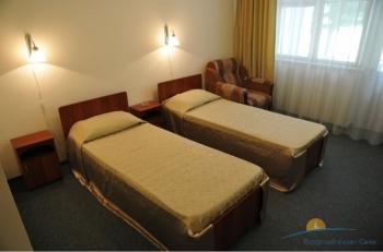 спальня 2-местного 1-комнатного Стандарта в Главн корпусе.JPG