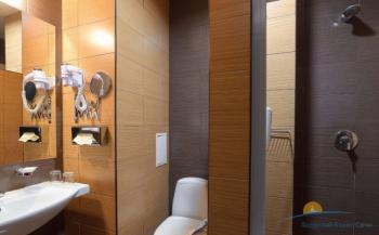2-местный 1-комнатный номер Комфорт санузел.JPG