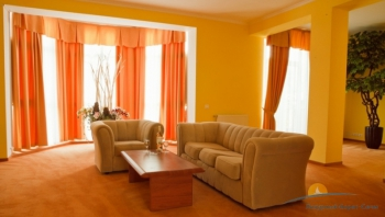 2-мест 2-комн Apartament 148 в морск котт - гостиная.png