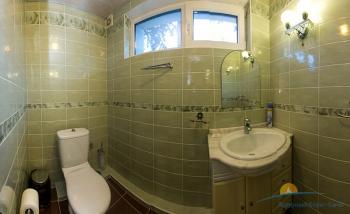 2-местный 2-комнатный Люкс с сауной санузел.jpg