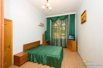 спальня в коттедже.jpg