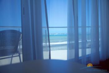 Вид на море из 2-комнатного номера.jpg