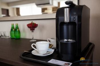 Бизнес-Люкс - кофемашина в номере.jpg