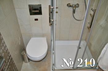 Люкс 3-комнатный 210 (санузел2).jpg