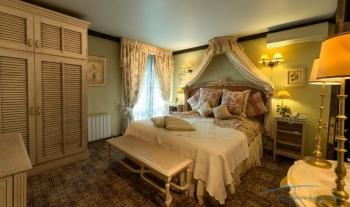 Апартамент 1 - спальня.jpg