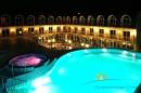 Бассейн ночью
