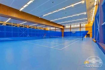 Крытый теннисный корт.jpg
