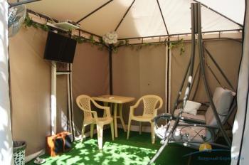 шатер во дворе.JPG