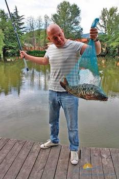Рыбалка на озере.jpg