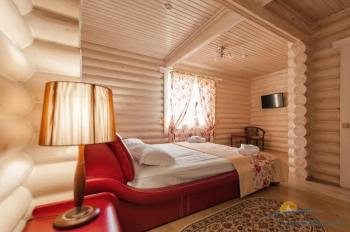 4-местный коттедж VIP - в спальной комнате.jpg
